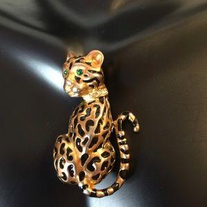 Vintage Sitting Leopard Brooch
